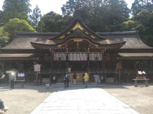大神神社でお参り